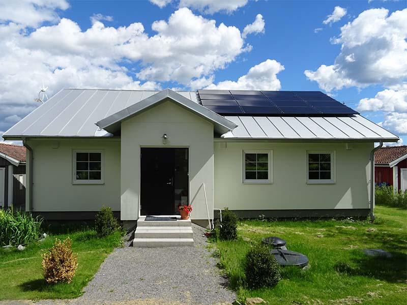 Solceller för att driva off-grid huset