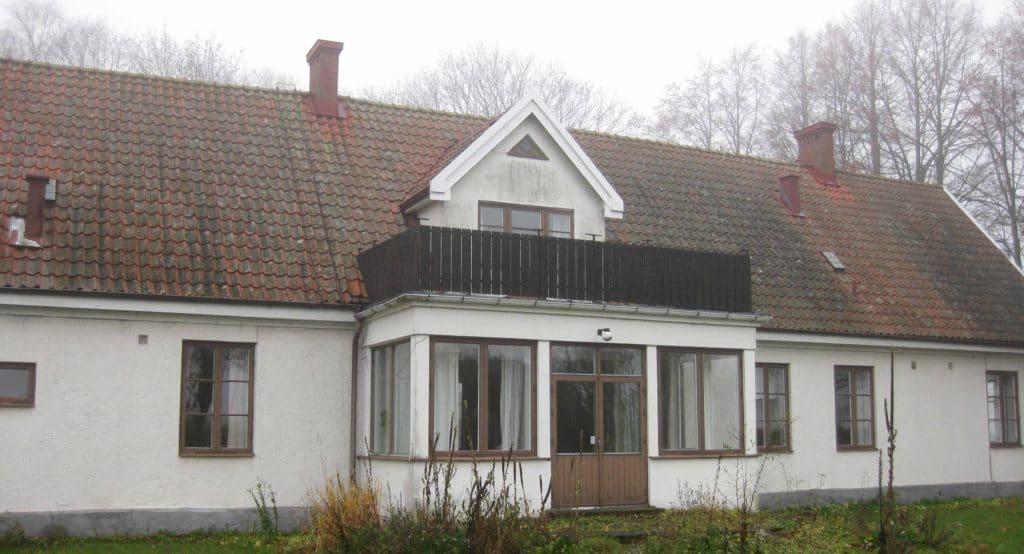 Hus med självdragsventilation innan renovering