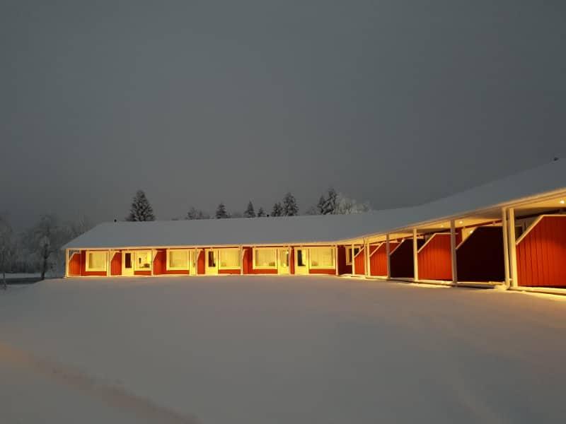 16 st nyproducerade hotellrum vid Kukkolaforsen. Byggda av Tornedalshus